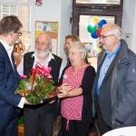 Blumen von Bürgermeister Dr. Christian Lange für Angelika Muthmann
